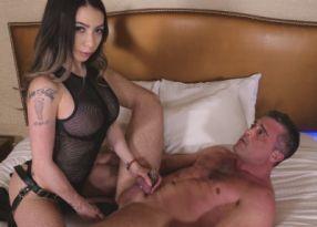 Порно Femdom & Strapon Kat Fucks Lance in Chastity Part 1